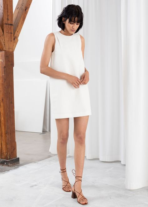 How to Look Taller with a Petite Figure 8