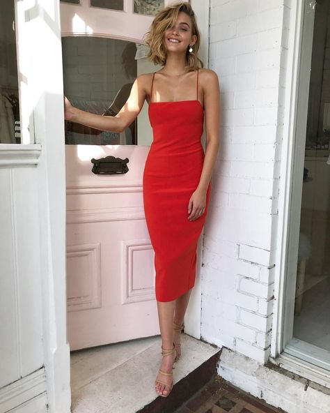 How to Look Taller with a Petite Figure 26