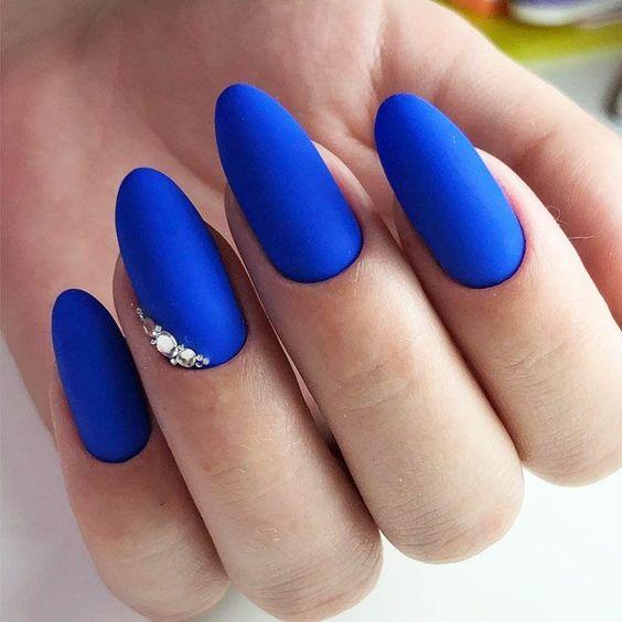 30 Glamorous Blue Nail Designs for Fashion Pros 11