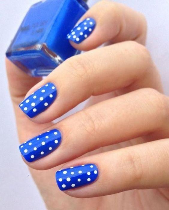 30 Glamorous Blue Nail Designs for Fashion Pros 17