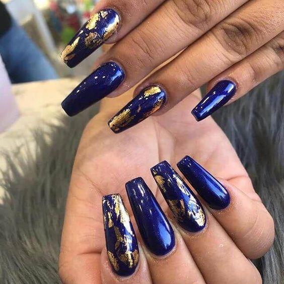 30 Glamorous Blue Nail Designs for Fashion Pros 18
