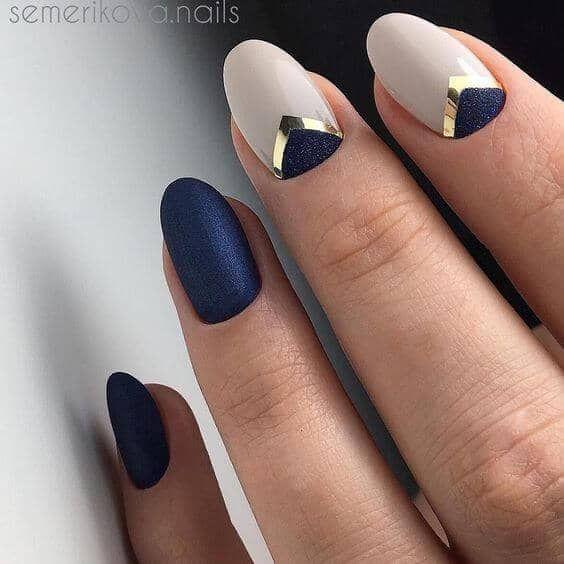 30 Glamorous Blue Nail Designs for Fashion Pros 19