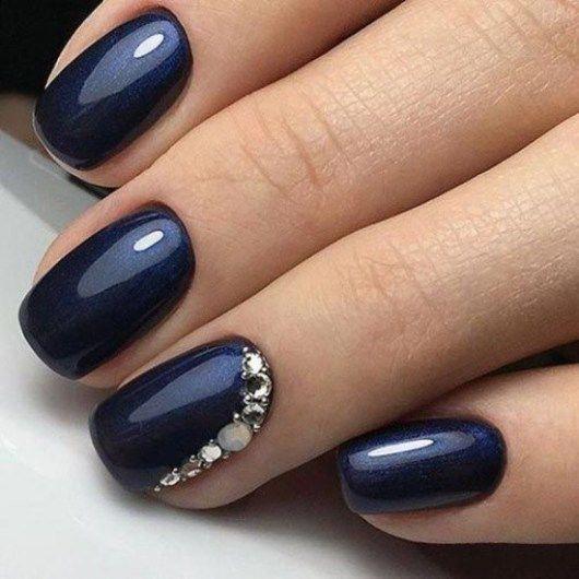 30 Glamorous Blue Nail Designs for Fashion Pros 23