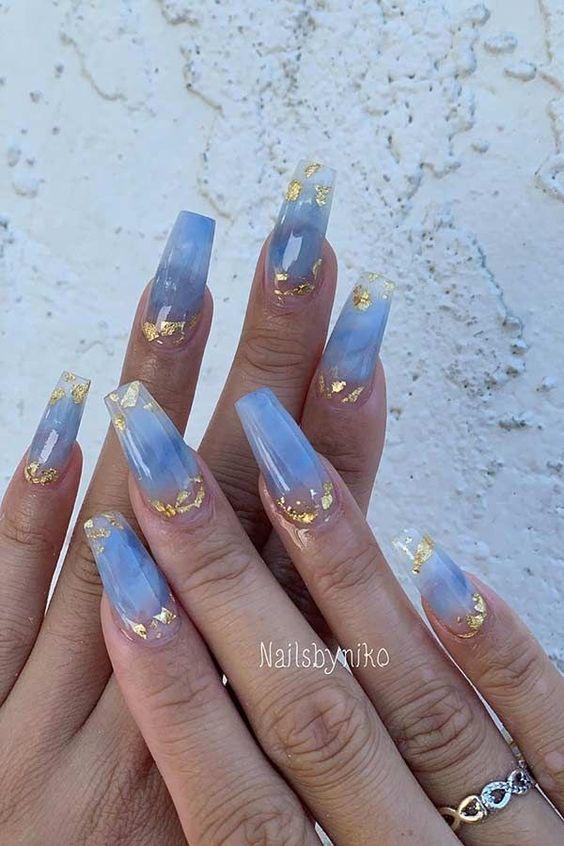 30 Glamorous Blue Nail Designs for Fashion Pros 25
