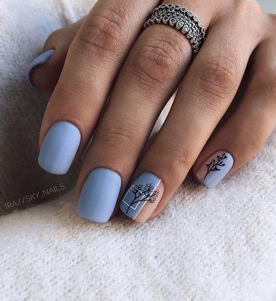 30 Glamorous Blue Nail Designs for Fashion Pros 26