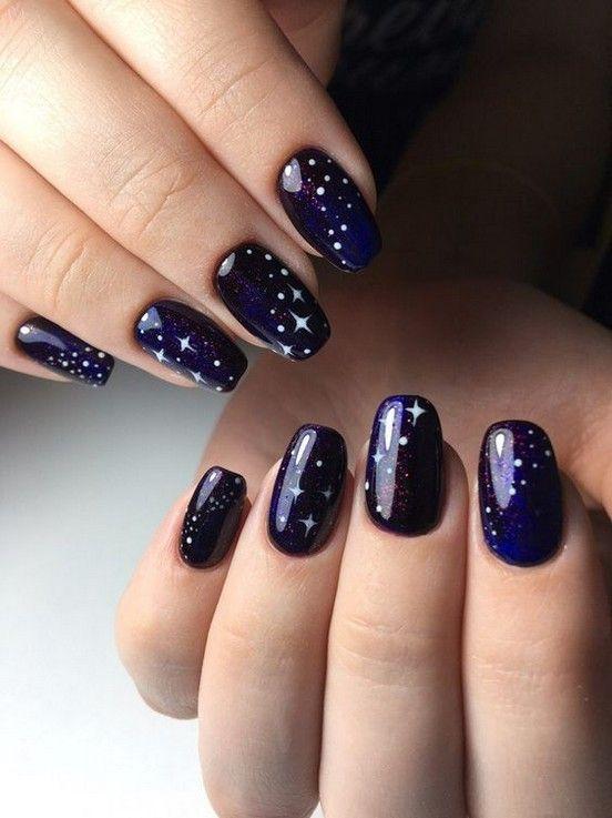 30 Glamorous Blue Nail Designs for Fashion Pros 28
