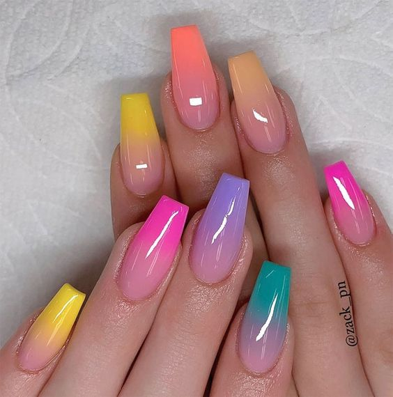 30 Modern Ombre Nails To Update your Style Game 27