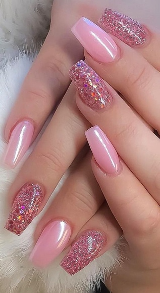 30 Cute Pink Nails to Elevate your Feminine Style 3