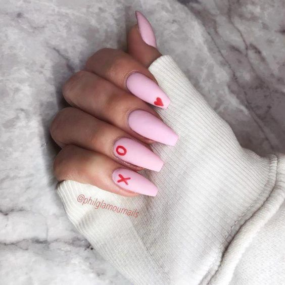 30 Cute Pink Nails to Elevate your Feminine Style 17