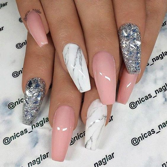 30 Cute Pink Nails to Elevate your Feminine Style 19