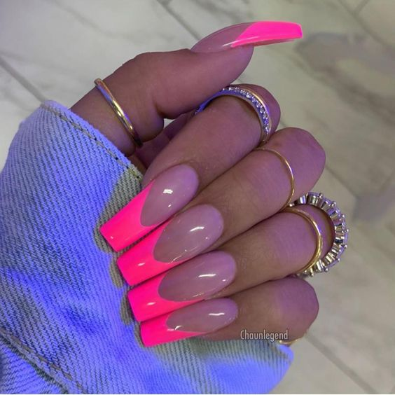 30 Cute Pink Nails to Elevate your Feminine Style 25