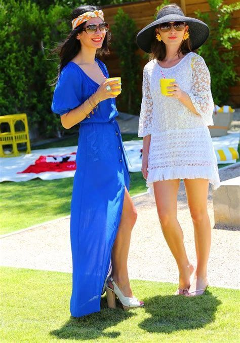 What to Wear to a Pool Party: 3 Outfit Ideas to Show your Chic Style 2