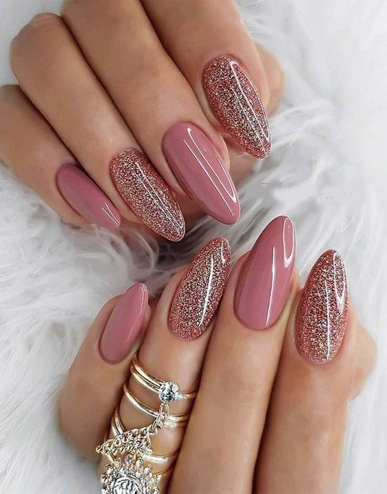 30 Stunning Prom Nails For an Unforgettable Night 5
