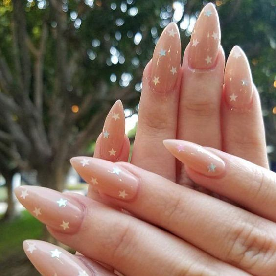 30 Stunning Prom Nails For an Unforgettable Night 24