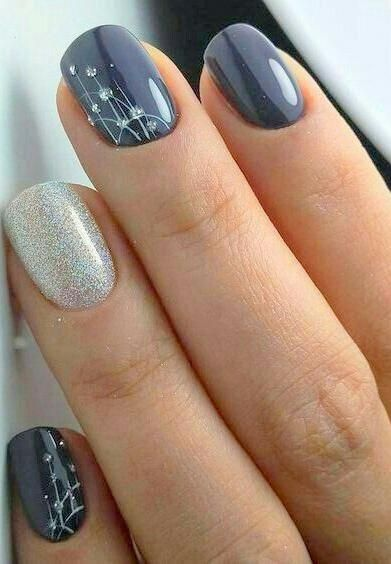 30 Stunning Prom Nails For an Unforgettable Night 29