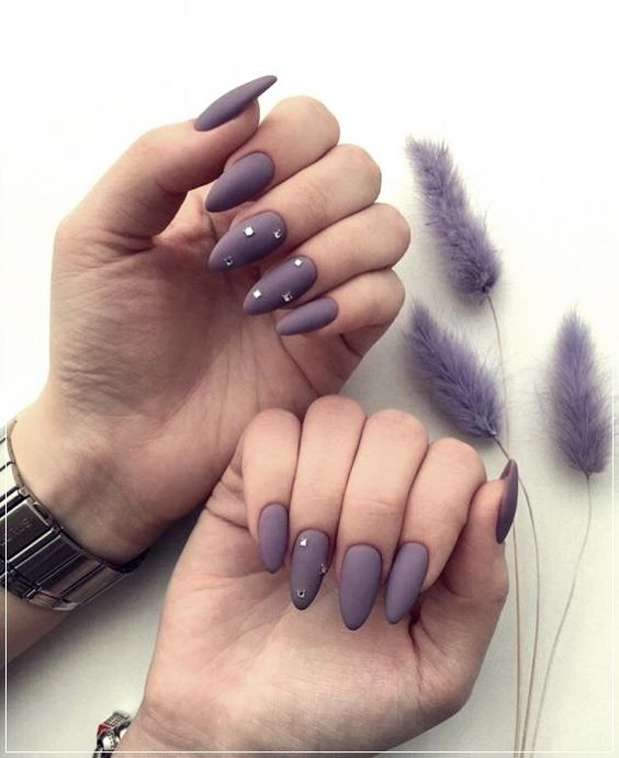 30 Elegant Purple Nails to Complement Your Outfits 6