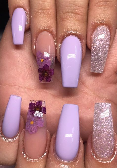 30 Elegant Purple Nails to Complement Your Outfits 22