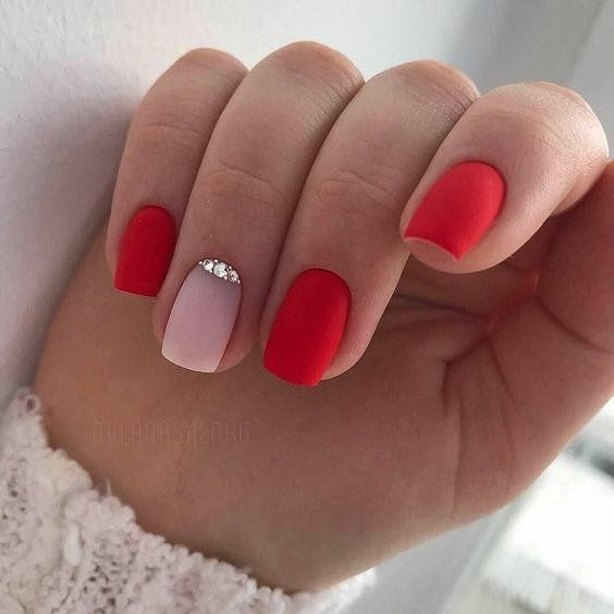 30 Cute Red Acrylic Nails to Embellish Your Hands 5