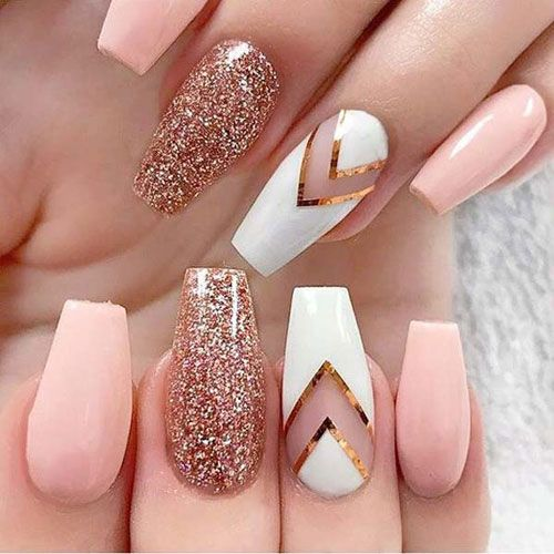 30 Effortlessly Chic Rose Gold Nails to Spruce Up Your Looks 6