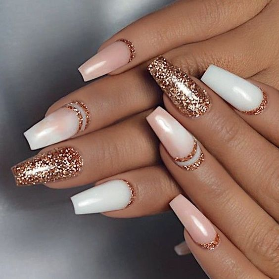 30 Effortlessly Chic Rose Gold Nails to Spruce Up Your Looks 9