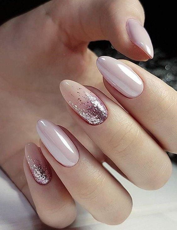 30 Effortlessly Chic Rose Gold Nails to Spruce Up Your Looks 13