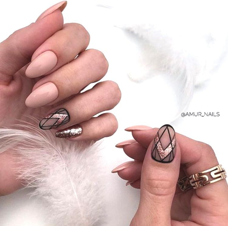30 Effortlessly Chic Rose Gold Nails to Spruce Up Your Looks 19