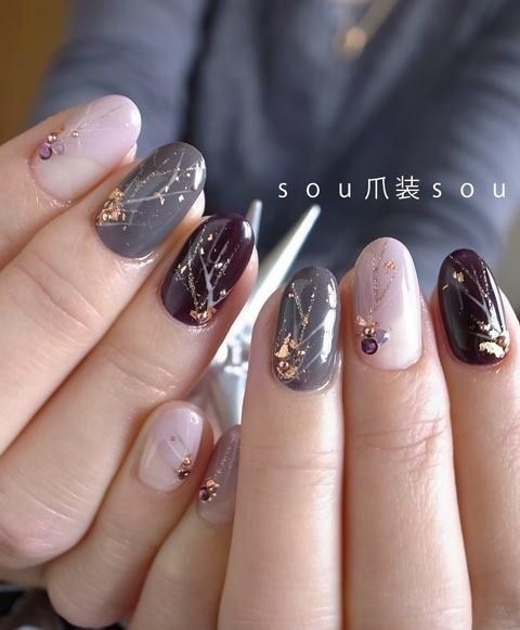 30 Effortlessly Chic Rose Gold Nails to Spruce Up Your Looks 21