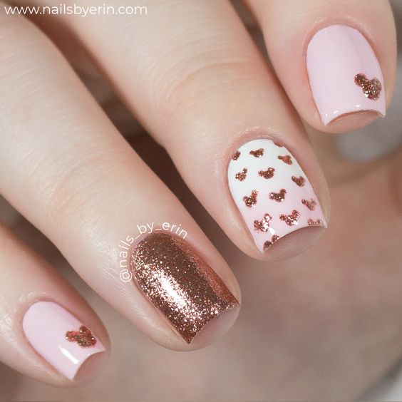 30 Effortlessly Chic Rose Gold Nails to Spruce Up Your Looks 24