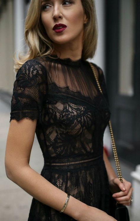 4 Best Dress Types to Wear Black to a Wedding 16
