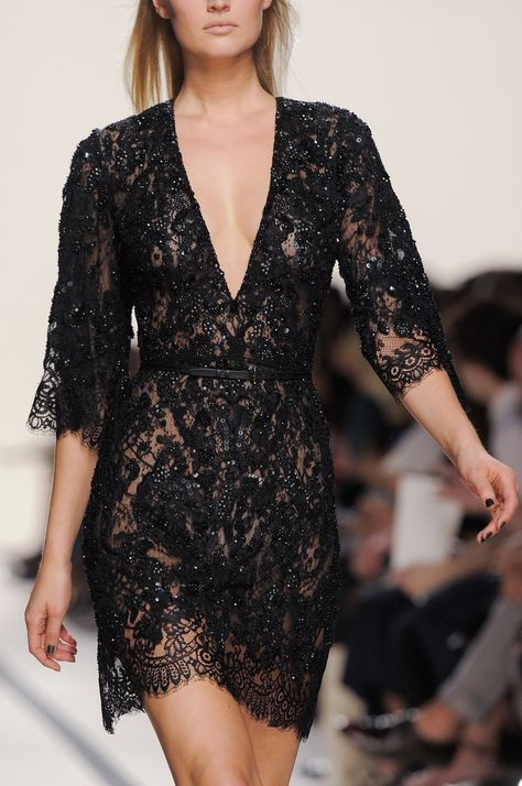 4 Best Dress Types to Wear Black to a Wedding 18