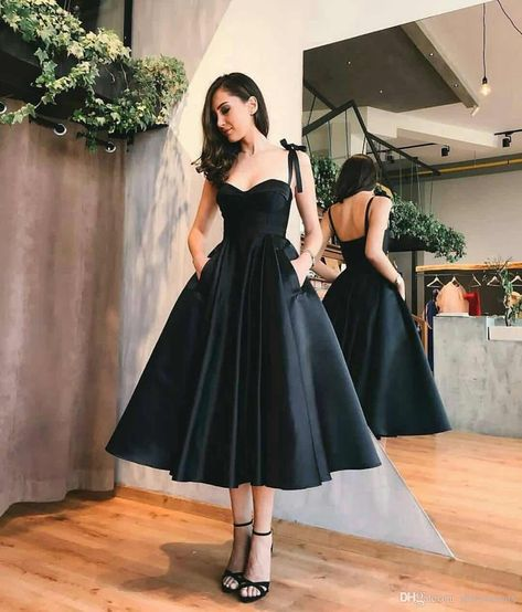 4 Best Dress Types to Wear Black to a Wedding 23