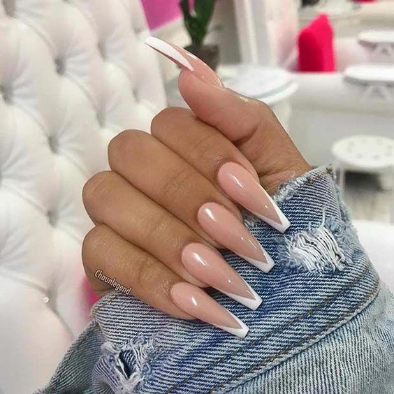 30 Modern White Tip Nails for Every Personality 4