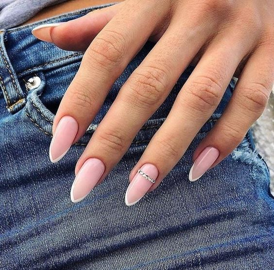 30 Modern White Tip Nails for Every Personality 15