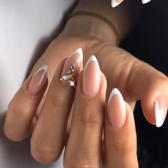 30 Modern White Tip Nails for Every Personality 16