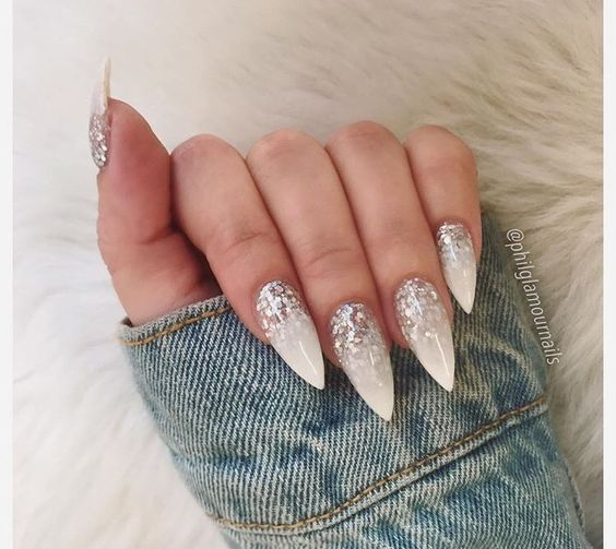30 Modern White Tip Nails for Every Personality 27