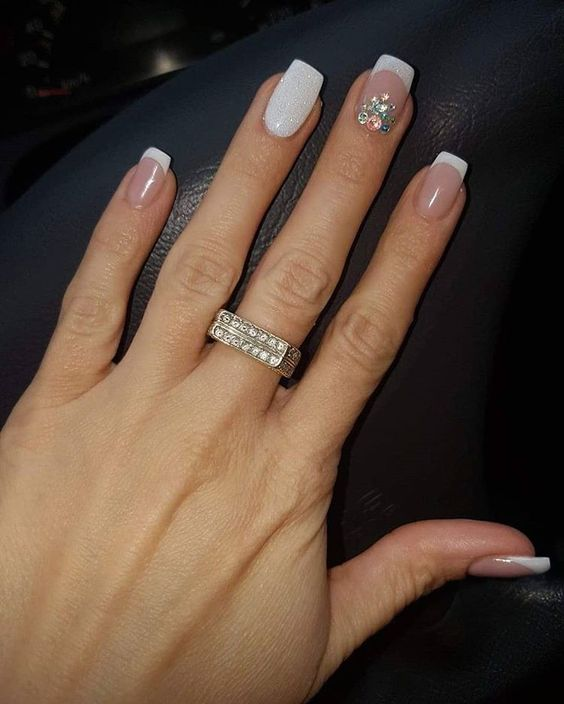 30 Modern White Tip Nails for Every Personality 29