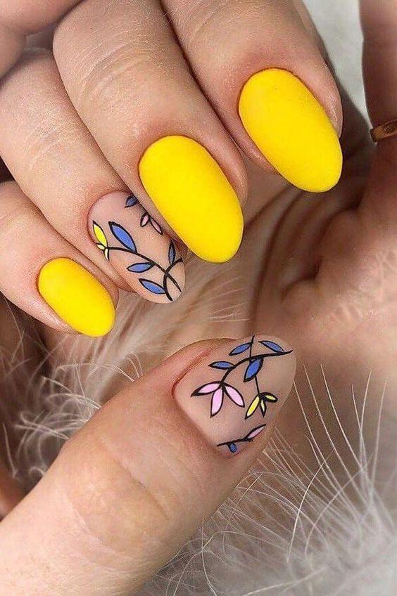 30 Amazingly Cute Yellow Acrylic Nails to Shake Things Up 9