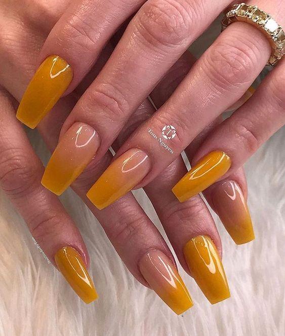 30 Amazingly Cute Yellow Acrylic Nails to Shake Things Up 10