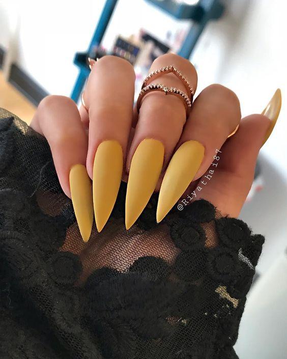 30 Amazingly Cute Yellow Acrylic Nails to Shake Things Up 12