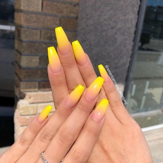 30 Amazingly Cute Yellow Acrylic Nails to Shake Things Up 20