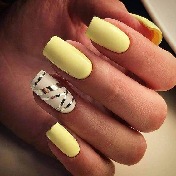 30 Amazingly Cute Yellow Acrylic Nails to Shake Things Up 28