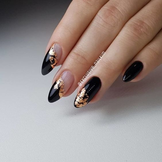 30 Stylish Black Nail Designs to Sport All-Year-Round 5