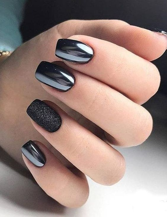 30 Stylish Black Nail Designs to Sport All-Year-Round 7