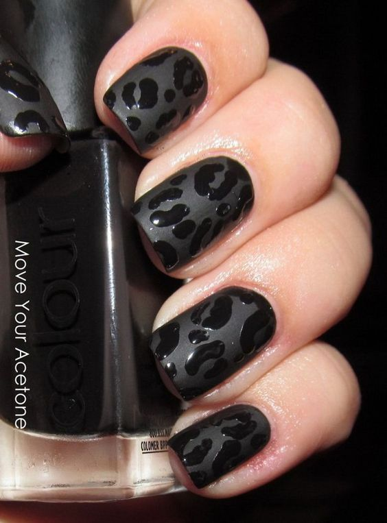 30 Stylish Black Nail Designs to Sport All-Year-Round 9