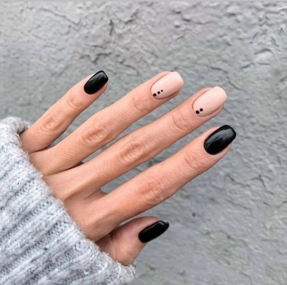 30 Stylish Black Nail Designs to Sport All-Year-Round 14