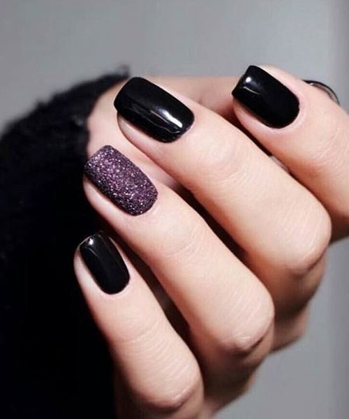 30 Stylish Black Nail Designs to Sport All-Year-Round 17