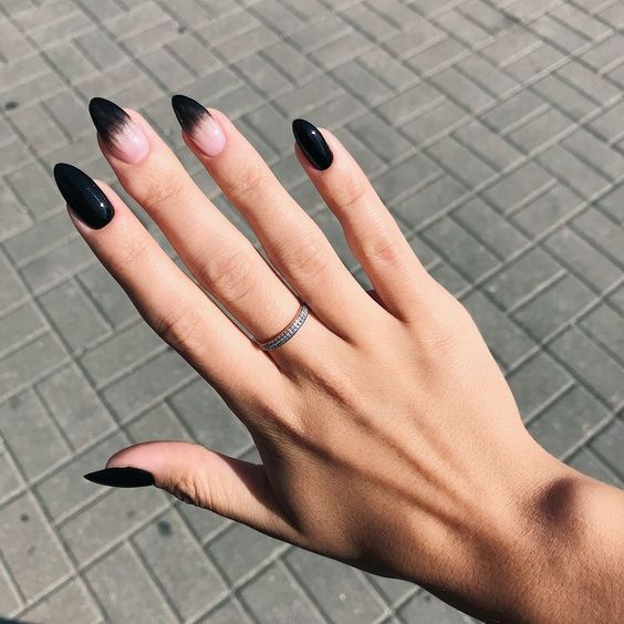 30 Stylish Black Nail Designs to Sport All-Year-Round 18