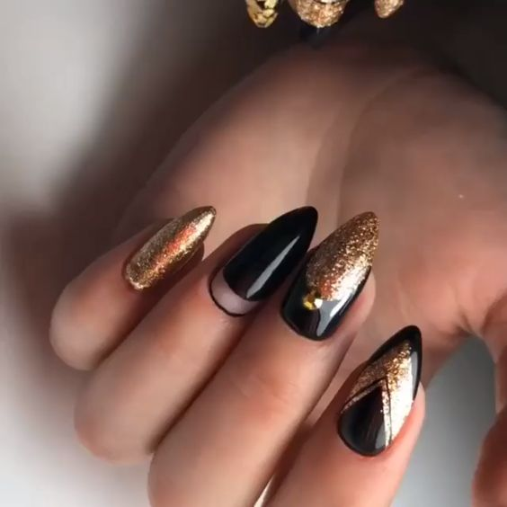 30 Stylish Black Nail Designs to Sport All-Year-Round 26