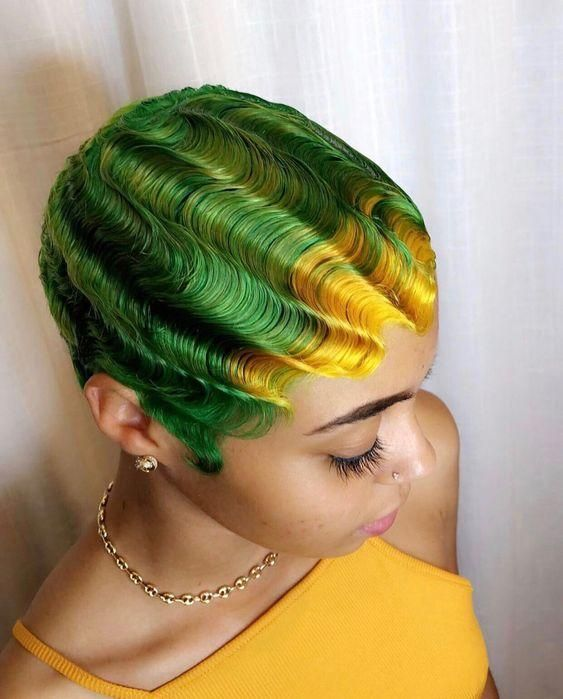 MULTICOLORED HAIR IS A CRAZY TREND THIS SUMMER