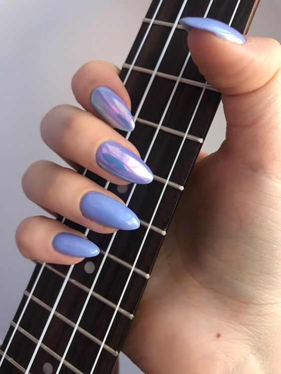 30 Ways to Spice Up Holographic Nails Look 1
